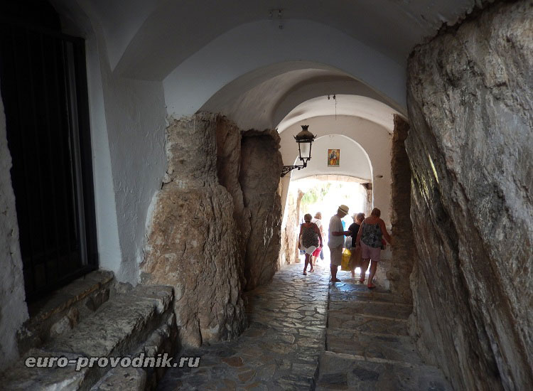 Туннель - вход в крепость