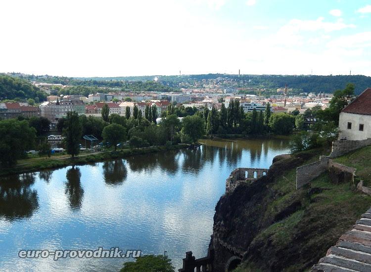 Вид на Смихов с Вышеградской крепости