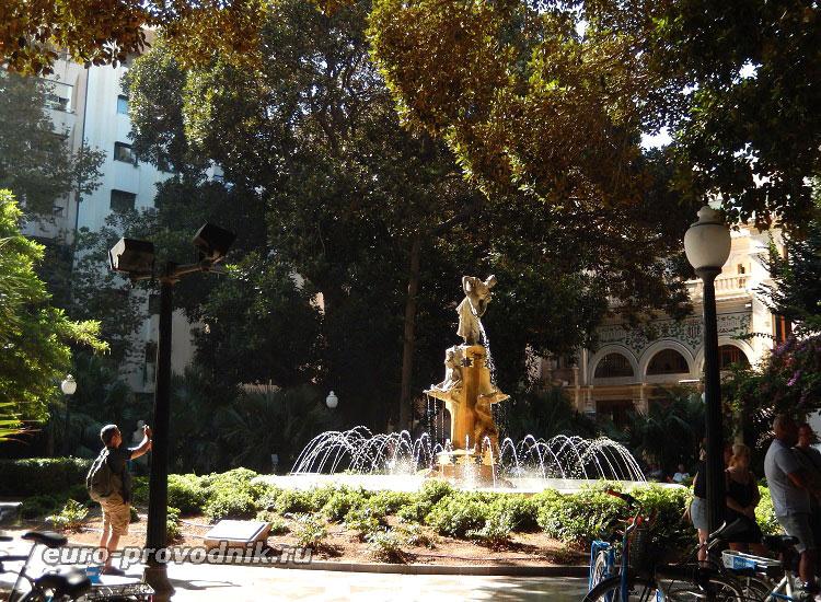 Площадь Миро
