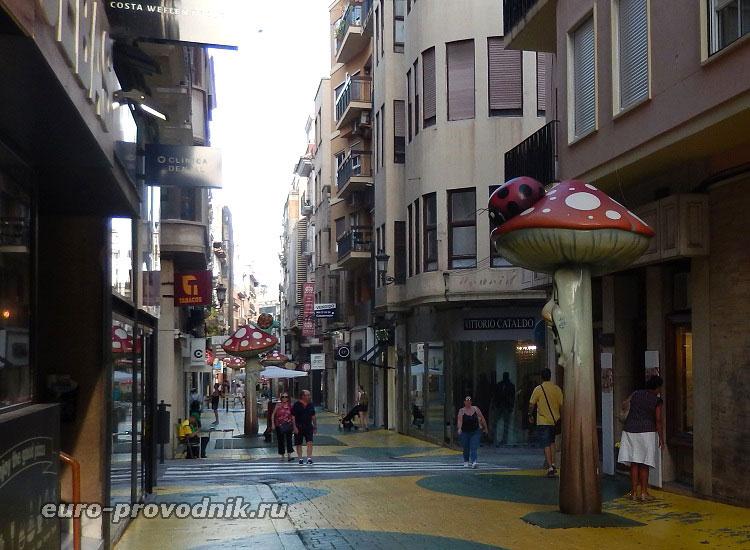 Улица грибов в Аликанте