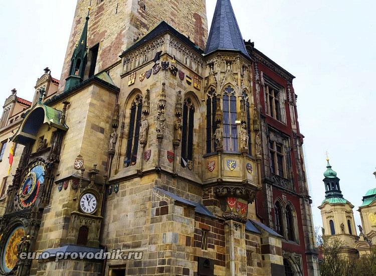 Часовня готической башни